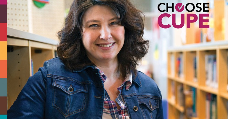 Image of a smiling woman in a library with the words Choose CUPE