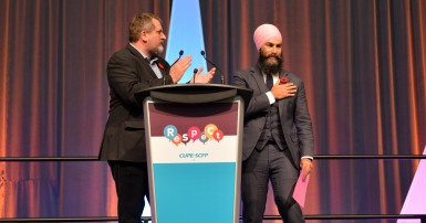 Mark Hancock and Jagmeet Singh at National Sector Council conference 2018