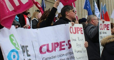 Delegate Gina McKay is a CUPE Member Facilitator, Diversity Representative for CUPE Manitoba, committee member for the National Pink Triangle Committee, and a sexual health and sexuality facilitator in the Social Services Sector.