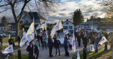 Photo_Coteau_du_Lac_protest_SCFP_2017_05_09