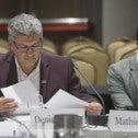 Denis Bolduc, secrétaire général du SCFP-Québec et Mathieu Vick, conseiller syndical SCFP au service de recherche, lors de la consultation publique à Québec sur l'accord de Partenariat transpacifique
