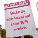 Picket sign that says Solidarity with locked out local 3625 members